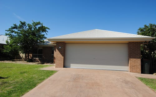 10 Gillmartin Drive, Griffith NSW