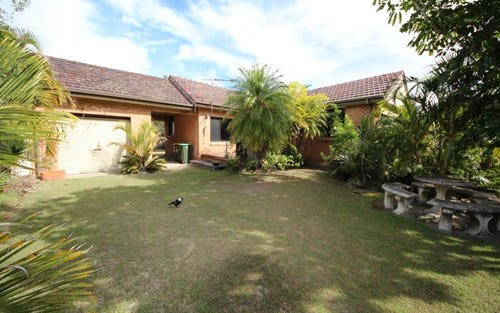50 Bay St, Hat Head NSW 2440