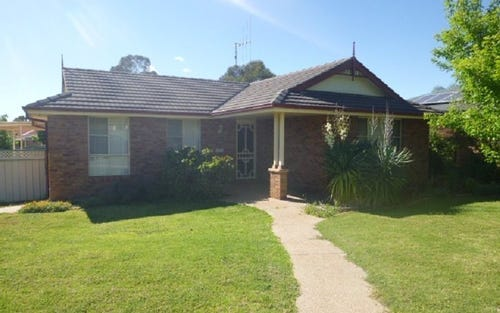 3 John Curtin, Parkes NSW 2870