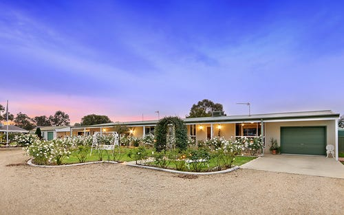 27 Gregadoo Road, Lake Albert NSW 2650