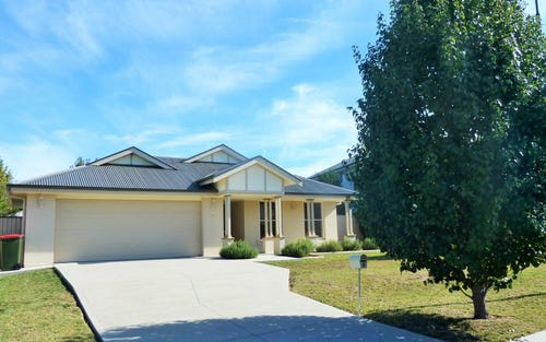 4 Huntingdale Close, Bathurst NSW 2795