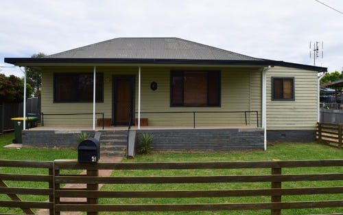 4 Thornbury Street, Parkes NSW 2870