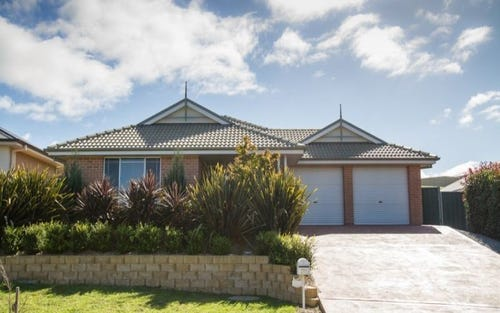 8 Quinlan Run, Orange NSW 2800