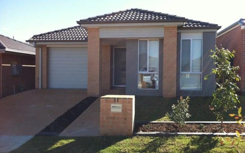 11 Fleet Avenue, Jordan Springs NSW