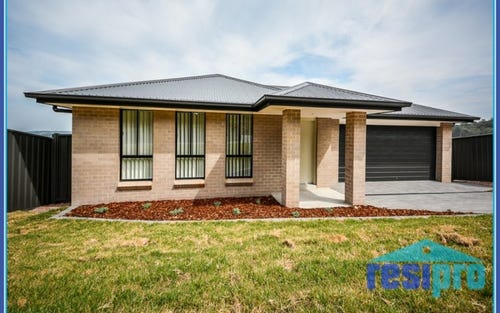 18 Ayes Avenue, Cameron Park NSW