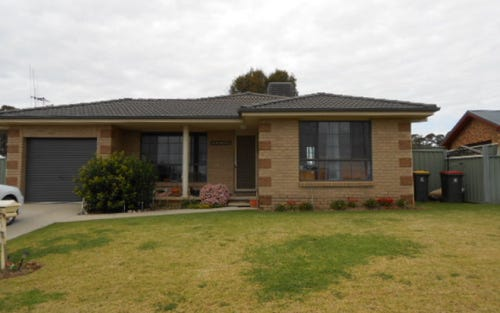 10 Clancy Place, Parkes NSW 2870