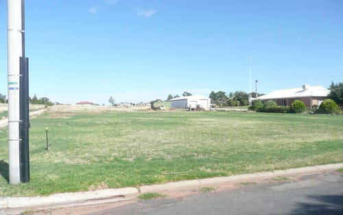 24 Racecourse Road, Narrandera NSW 2700
