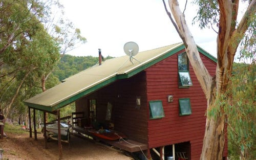 29 Cove Hill Road, Eucumbene NSW 2628