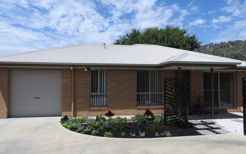 2/143 Benyon Street, East Albury NSW