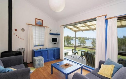 18 Caulfield Parade, Old Erowal Bay NSW 2540