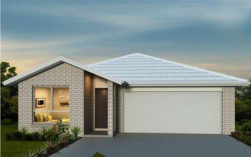 L121 Lake Place, Tamworth NSW 2340