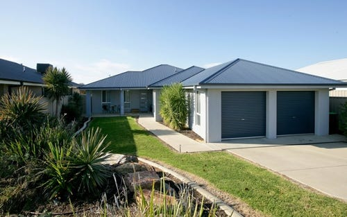 10 Bindari Avenue, Glenfield Park NSW 2650