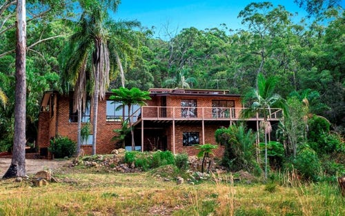172 Point Plomer Road, Crescent Head NSW 2440