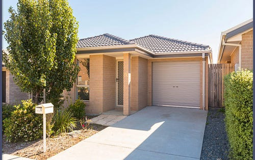 72 Jeff Snell Crescent, Dunlop ACT