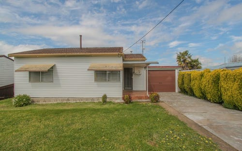 4 Pacific Way, Bathurst NSW 2795