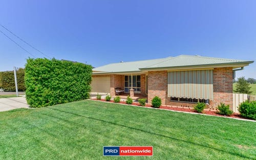 87 Glengarvin Drive, Tamworth NSW 2340