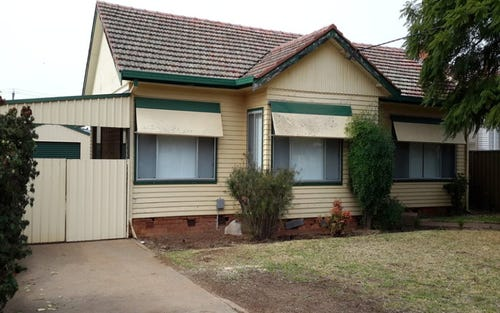 16 Crown Street, Dubbo NSW