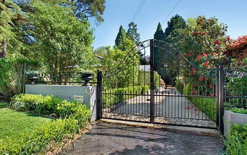 35 Waratah Road, Wentworth Falls NSW 2782