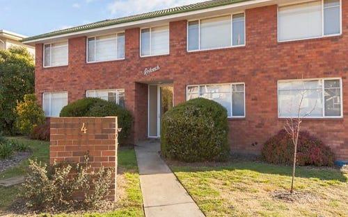 4/4 Nuyts Street, Red Hill ACT 2603