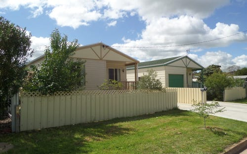 7 & 7a Crown Street, Narrandera NSW 2700