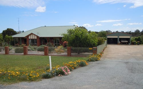 111 Pine Hill Road, Narrandera NSW 2700