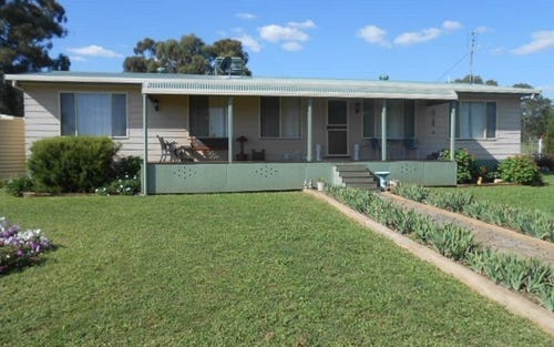 174 Caswell Street, Peak Hill NSW 2869