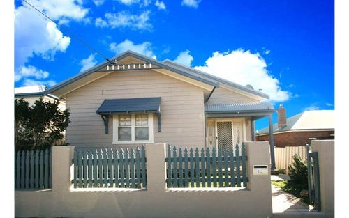 73 Roxburgh St, Stockton NSW 2295