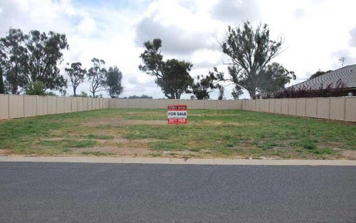 26 Nugget Fuller Drive, Tocumwal NSW 2714