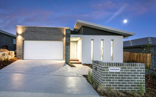 38 Harold White Avenue, Coombs ACT 2611