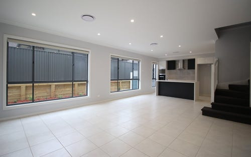 33 Arnold Avenue, Kellyville NSW