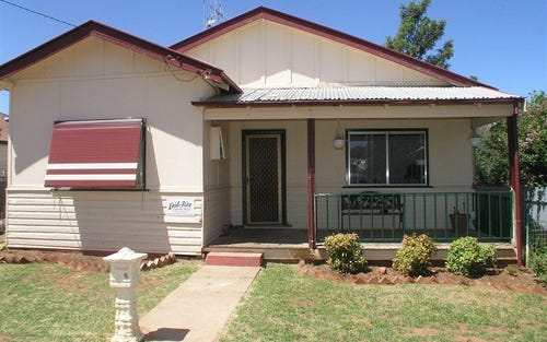 4 Carrington Street, Parkes NSW 2870