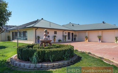16 Henry Street, Adelong NSW 2729