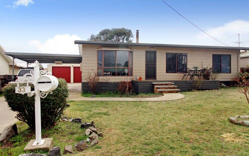33 EAST Street, Uralla NSW 2358