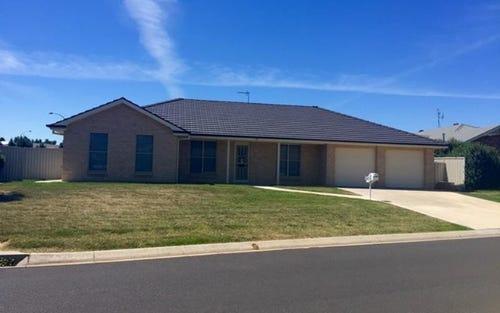 46 Roxburgh Drive, Kelso NSW