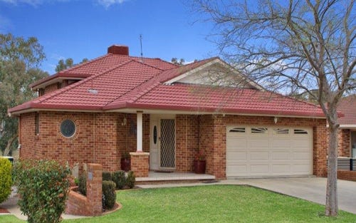11 The Hermitage, Tamworth NSW