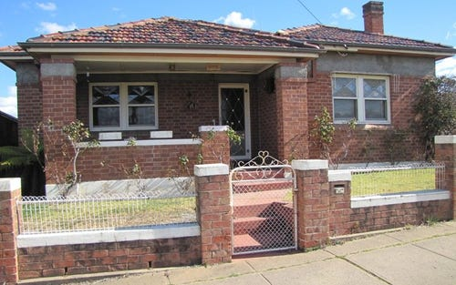 226 Piper Street, Bathurst NSW 2795