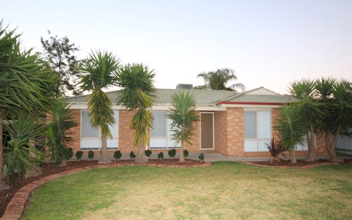 24 Langi Crescent, Glenfield Park NSW