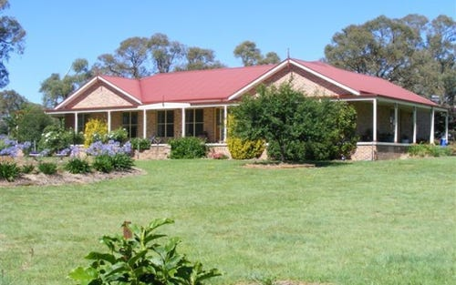 * Golf Links Road, Glen Innes NSW 2370