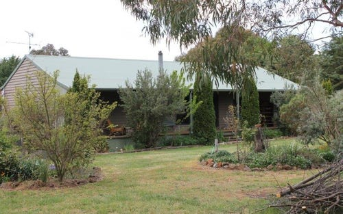 825 Barry Rd, Hanging Rock NSW 2340
