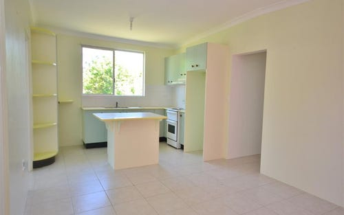 10 West Street, Greenwell Point NSW 2540