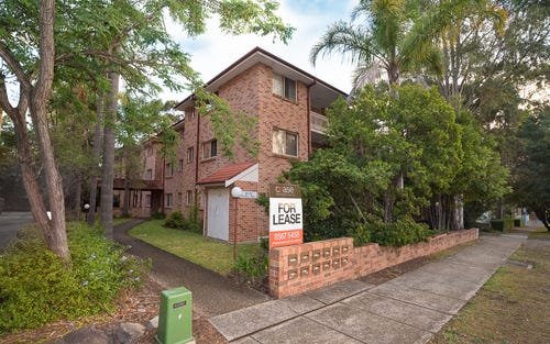 8/22 Hampton Court Road, Carlton NSW