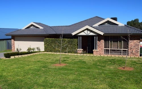6 Charles Barber Close, Parkes NSW 2870