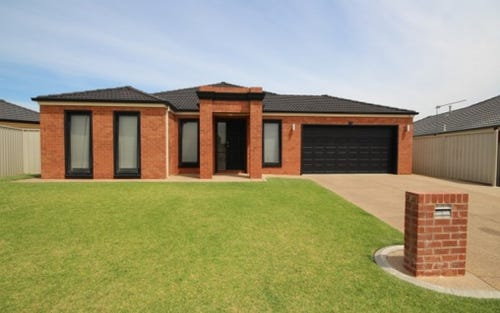 17 Walla Place, Glenfield Park NSW 2650