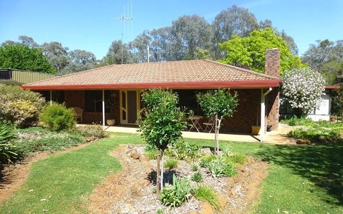 2033 The Escort Way, Borenore NSW 2800