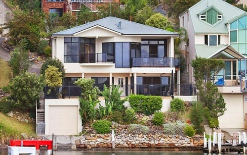 4 Daley Avenue, Daleys Point NSW 2257
