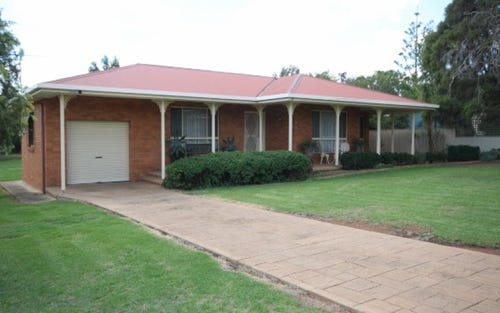 36 Dunrobin Street, Coolamon NSW 2701