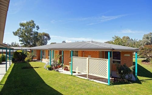 24/7 Severin Court, Thurgoona NSW 2640