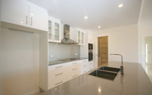 12 Griffith Link, Queanbeyan ACT