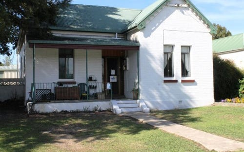 61 Ross Street, Inverell NSW 2360