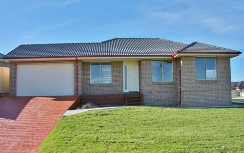 1 French Smith Place, Kelso NSW 2795